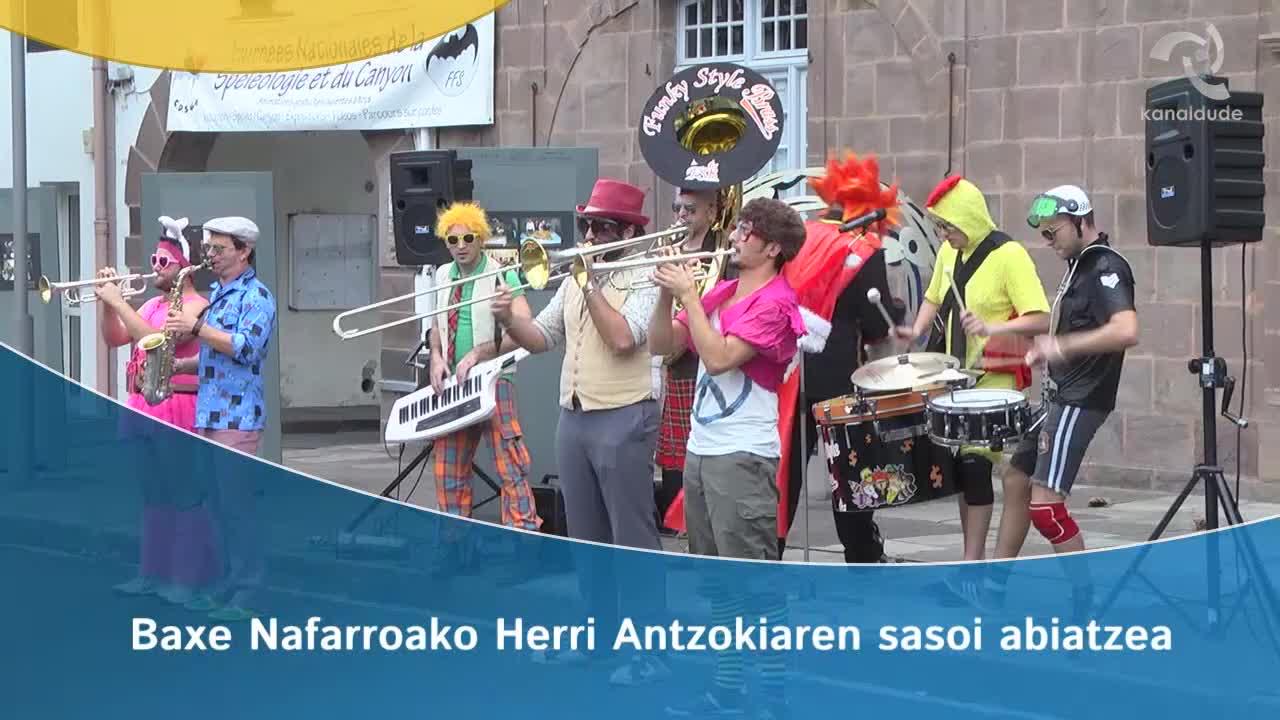 Baxe Nafarroako herri antzokiaren kultur sasoi abiatzea