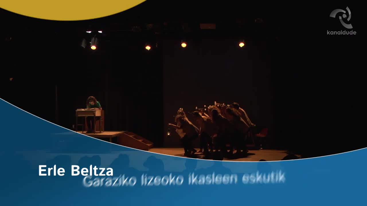 """""""Erle beltza"""" antzerkia Garaziko lizeoko ikasleen eskutik"""