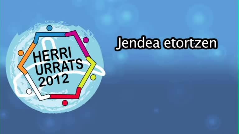 HERRI URRATS 2012 Jendea etortzen