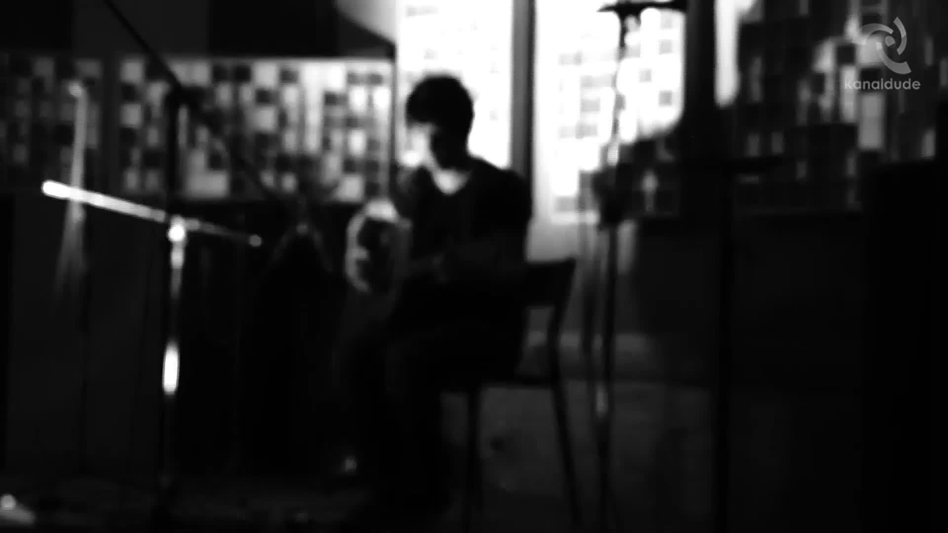 Ekiza - Ontziak, kanoiak, itsaso gorri baten gainean (Amanita live sessions)